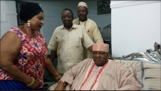 Onojie Of Uromi (Edo state) Finally At Peace With The Woman He Assaulted