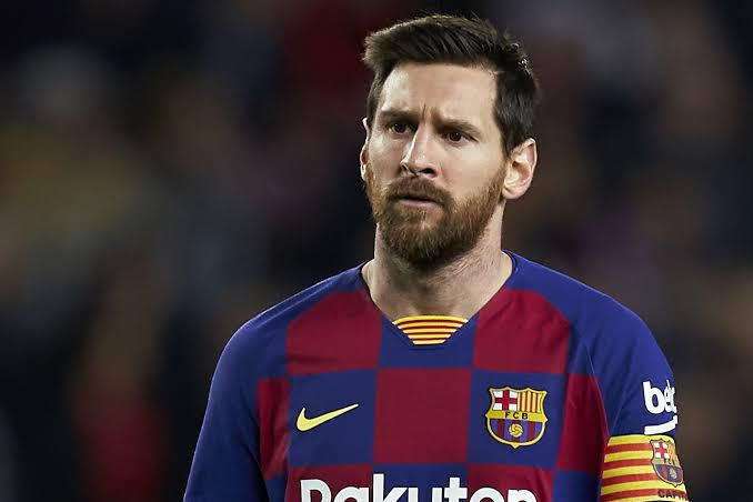 Ronaldo weighs in on 'furious' Lionel Messi's Barcelona predicament