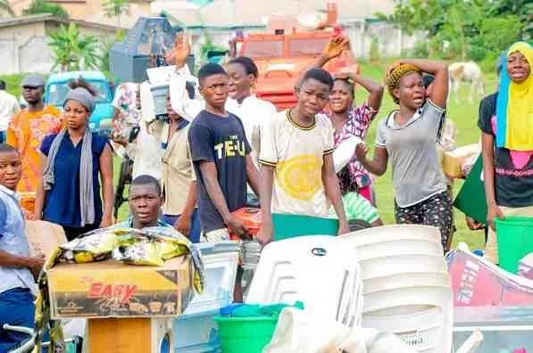 Looters Return Over Thousands Of Stolen Goods After Osun State Governor Gave 72-Hour Ultimatum