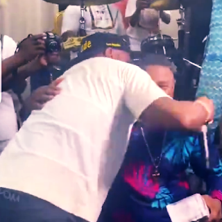 ENT NEWS: Davido Joins Yinka Ayefele On Live Stage, Sprays Him 1 Million & Performs His Hit Song | WATCH